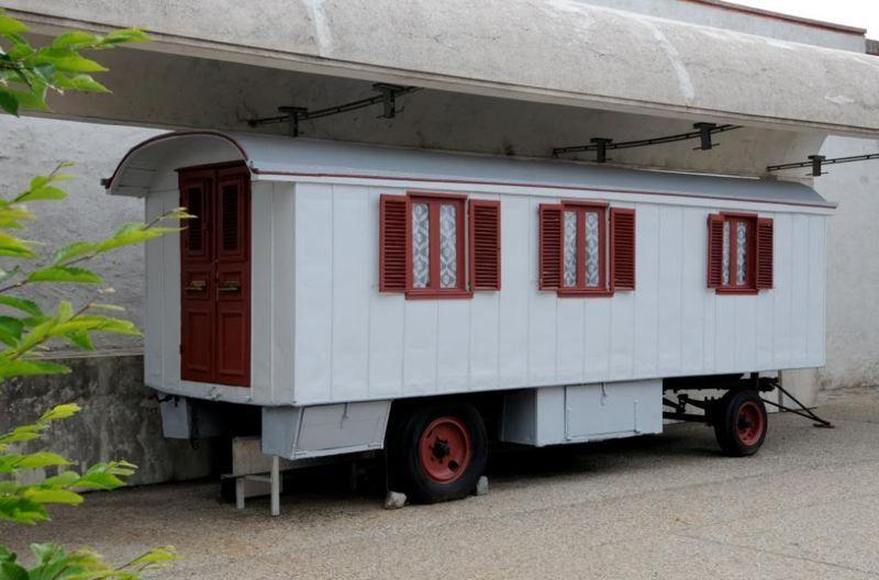 Caravane salon chambre d arthur cr teur et blanche for Caravane chambre