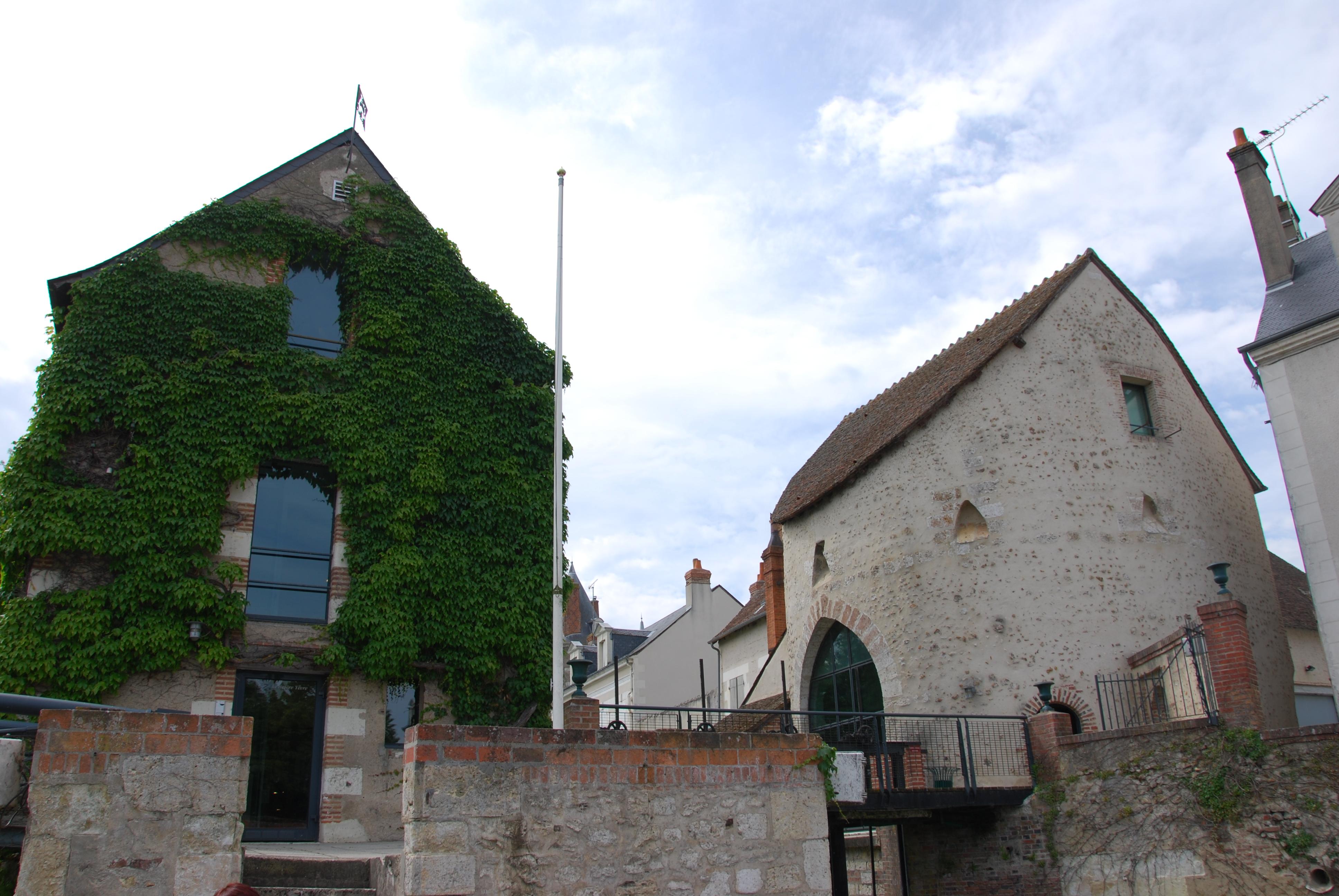 Le Moulin de la ville et la Tour Jacquemart