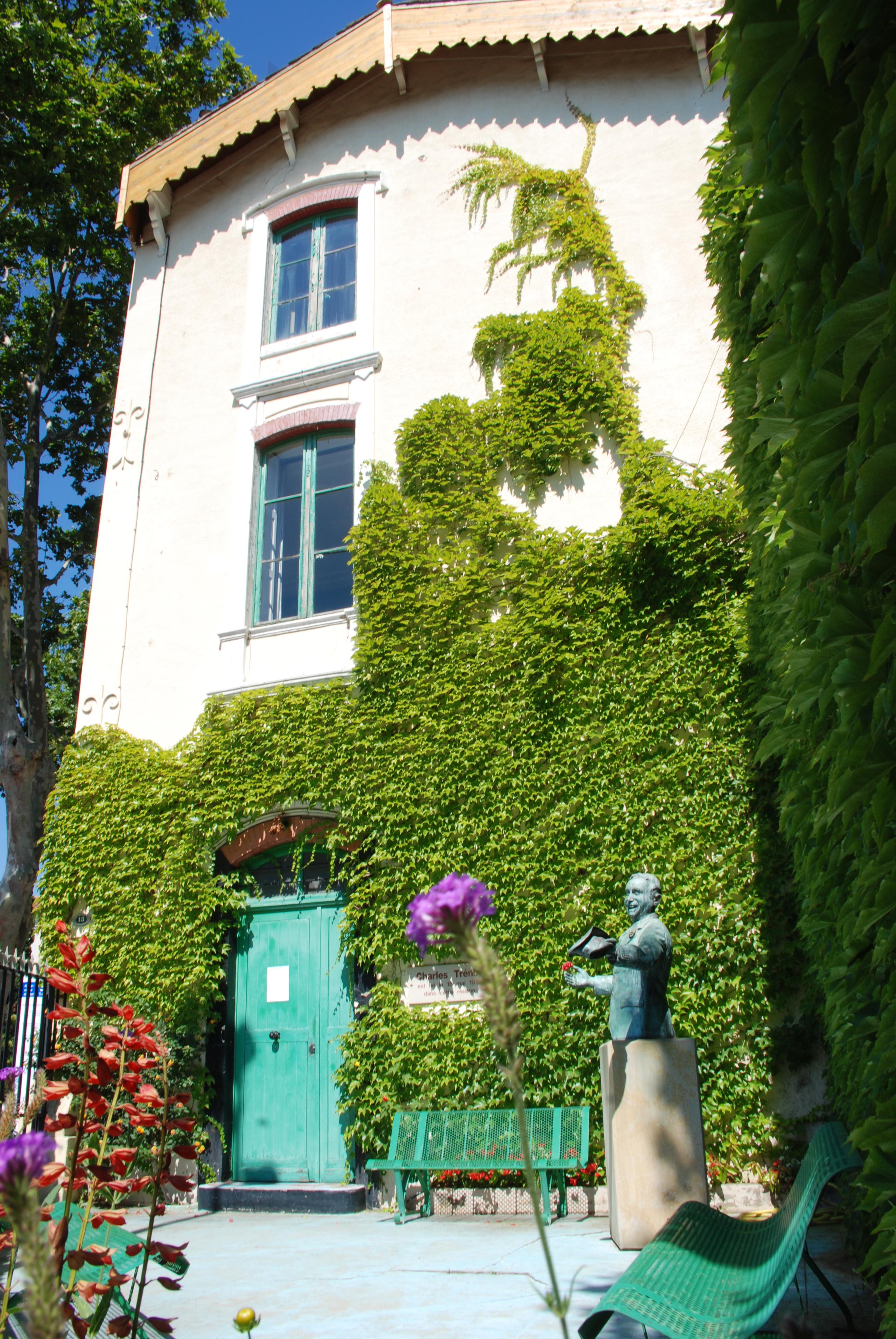La maison natale de charles trenet sites visiter les for Piscine narbonne