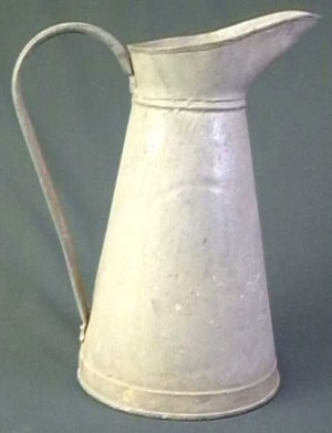 Pot à eau ; Cruche ; Broc(1989.07/0062 ; 1989.07/0062)